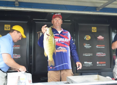 6.2 lbs smallmouth bass caught 7-19-2012 by Mark Modrak during the B.A.S.S. Open